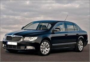 Ellopták Bajnai Skoda Superb autóját. A fotó illusztráció.