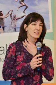 Halassy Emőke, a társaság  kutatási csoportjának megbízott irodavezetője