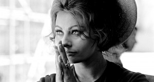 SOPHIA-LOREN-1963TAKEN-ON-THE-SET-OF-ANTHONY-MANNS-THE-FALL-OF-THE-ROMAN-EMPIRE-1-C26130