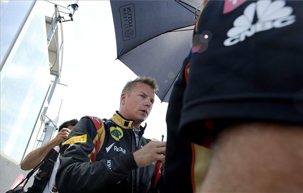 könen, a Lotus csapat finn versenyzője a rajtrácson a Forma-1-es Magyar Nagydíj rajtja előtt a mogyoródi Hungaroringen 2013. július 28-án. foto foldi imre
