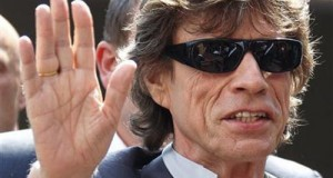 rolling-stones-lead-singer-mick-jagger-arrives-at-a-photocall-to-promote-the-film-stones-in-exile-at-the-63rd-cannes-film-festival-may-19-2010