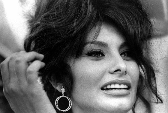 1962 file photo head shot of actress Sophia Loren. (AP-PHOTO)