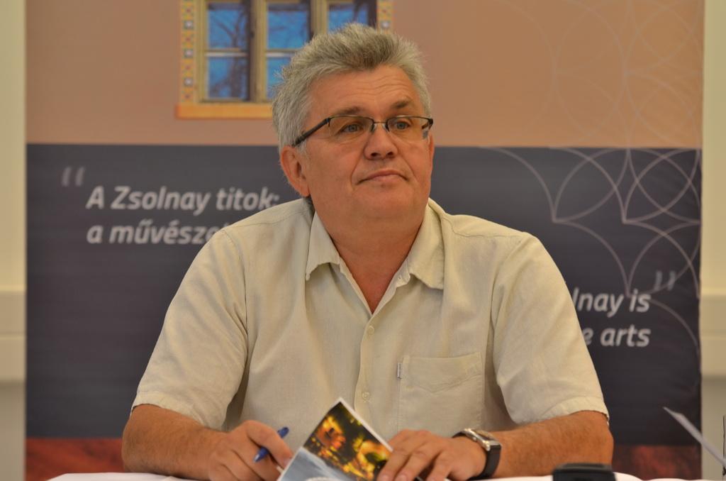 Márta István, az ország egyik legnagyobb kulturális intézményhálózata, a Zsolnay Örökségkezelő Nkft. ügyvezetője