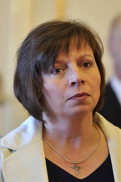 Karas Monika Zsuzsanna, a Nemzeti Média- és Hírközlési Hatóság (NMHH) újonnan kinevezett elnöke a Sándor-palotában 2013. augusztus 19-én. MTI Fotó: Kovács Attila