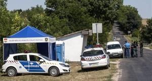 rendőrség ellenőrzőpontja Igar község határában 2013. augusztus 3-án. A Fejér megyei Dádpusztán tartandó O.Z.O.R.A. fesztiválra érkező járműveket átvizsgálják. Szigetváry Zsolt