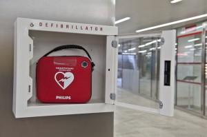 Wiener Linien präsentieren Standort für Defibrillator