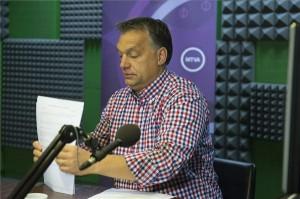 Budapest, 2013. szeptember 20. Orbán Viktor miniszterelnök a Kossuth Rádió 180 perc című műsorában adott interjúja előtt a Magyar Rádió stúdiójában 2013. szeptember 20-án. MTI Fotó: Koszticsák Szilárd