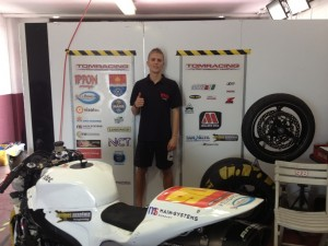 """A pontszerző 15. helyen végzett az Európa-bajnokság Supersport kategóriájában a Tomracing Motorsport Team 22 éves versenyzője Gyutai Adrián: """"Boldog vagyok, de még rengeteg a tanulnivalóm"""""""