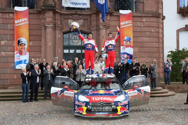 MOTORSPORT - WORLD RALLY CHAMPIONSHIP 2012 - RALLY OF FRANCE - ALSACE - 04 TO 07/10/2012 - PHOTO : BASTIEN BAUDIN / DPPI - 01 LOEB SEBASTIEN (FRA) / ELENA DANIEL (FRA) - CITROËN DS3 WRC - AMBIANCE WORLD CHAMPION