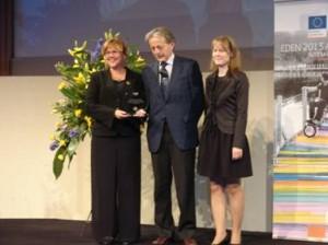 (A képen balról jobbra: Máyerné Bocska Ágnes a kaposvári  Tourinform vezetője, Pedro Ortún igazgató European Commission, DG Enterprise és  Osvalt Mónika turisztikai referens, kaposvári  önkormányzat.)