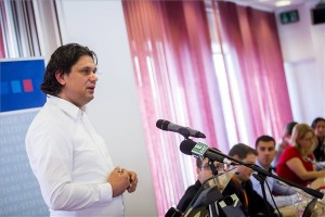 Deutsch Tamás, a Fidesz EP-képviselője felszólal  a Fidelitas országos választmányának budapesti tisztújító ülésén 2013. november 23-án. MTI Fotó: Mohai Balázs