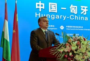 Peking, 2014. február 12. A Miniszterelnöki Sajtóiroda által közreadott képen Orbán Viktor miniszterelnök beszédet mond a Kínai Nemzetközi Kereskedelemfejlesztési Tanács (CCPIT) pekingi székházában tartott kínai-magyar üzleti fórumon 2014. február 12-én. MTI Fotó: Miniszterelnöki Sajtóiroda/Burger Barna