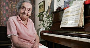 Alice Herz-Sommer, 106, at her flat in London