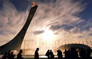 A 2014-es szocsi téli olimpia lángja az Olimpiai Parkban 2014. február 13-án. MTI Fotó: Illyés Tibor