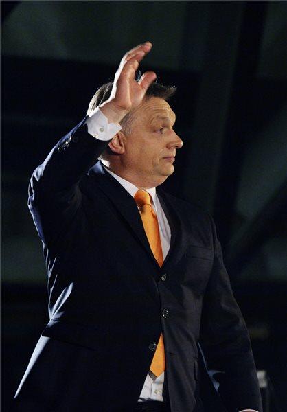 Orbán Viktor miniszterelnök, a Fidesz elnöke a párt eredményváró rendezvényén a Budapest Bálna rendezvényközpont előtt az országgyűlési képviselő-választáson 2014. április 6-án. MTI Fotó: Beliczay László
