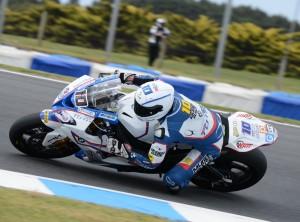Számos gonddal küzd a BMW Racing Team Toth mindkét versenyzője Assenben a Superbike-vb csúcskategóriájában