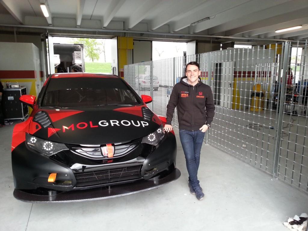 Michelisz Norbert és a Zengő Motorsport csapat idén is a MOL-csoport támogatásával vághat neki az új köntösbe bújtatott Honda Civikkel.