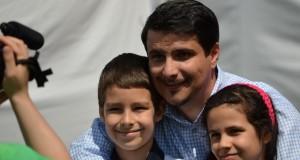 Mesterházy Attila gyermekeivel