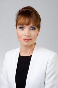 A Miniszterelnökség által közreadott képen az új kormányszóvivő, Kurucz Éva 2014. június 6-án. MTI Fotó: Miniszterelnökség