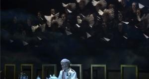 Haja Zsolt tenor Gabriel Fauré Requiem című művének előadásán az első világháború kitörésének századik évfordulója alkalmából, Fegyverek közt hallgatnak a múzsák címmel tartott állami megemlékezésen a Magyar Állami Operaházban 2014. július 28-án. MTI Fotó: Kovács Tamás