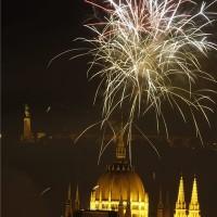 Ünnepi tűzijáték a Duna felett Budapesten 2014. augusztus 20-án. MTI Fotó: Szigetváry Zsolt