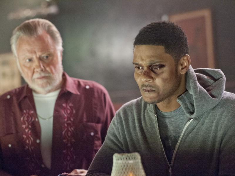 Jon Voight as Mickey Donovan and Pooch Hall as Daryll in Ray Donovan (Season 2, Episode 1). - Photo:  Suzanne Tenner/SHOWTIME - Photo ID:  RayDonovan_201_0347.R