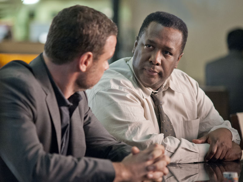 Liev Schreiber as Ray Donovan and Wendell Pierce as Mr. Keith in Ray Donovan (Season 2, Episode 2) - Photo: Suzanne Tenner/SHOWTIME - Photo ID: RayDonovan_202_0089.R