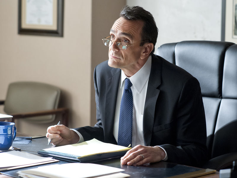Hank Azaria as James Cochran in Ray Donovan (Season 2, Episode 2). - Photo:  Suzanne Tenner/SHOWTIME - Photo ID:  RayDonovan_202_0500.R