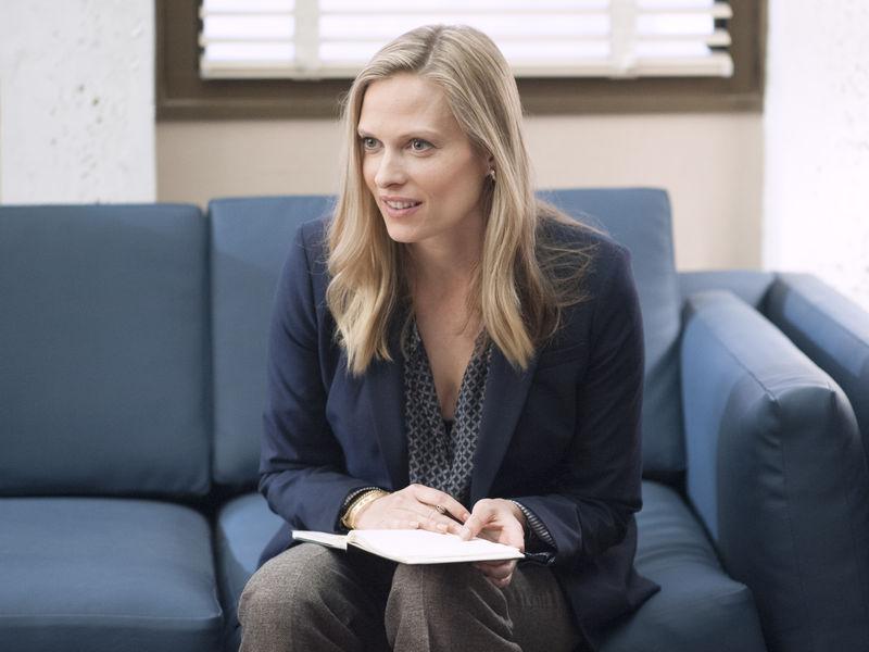 Vinessa Shaw as Kate McPherson in Ray Donovan (Season 2, Episode 3). - Photo:  Suzanne Tenner/SHOWTIME - Photo ID:  RayDonovan_203_0096.R