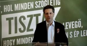 Schiffer András, a párt társelnöke beszél az LMP ünnepi megemlékezésén a budapesti Pilvax kávéházban az 1848-49-es forradalom és szabadságharc kitörésének 167. évfordulóján, 2015. március 15-én. MTI Fotó: Bruzák Noémi