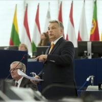 Orbán Viktor miniszterelnök beszél az Európai Parlament (EP) Magyarországról szóló plenáris vitáján Strasbourgban 2015. május 19-én. MTI Fotó: Koszticsák Szilárd