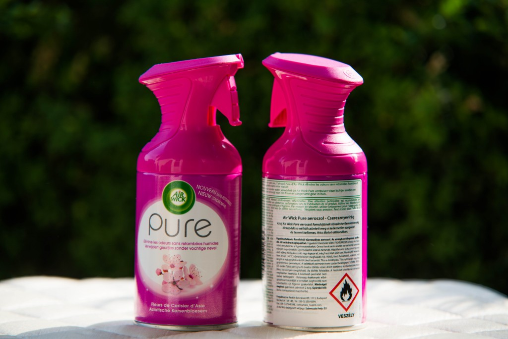 Az új Air Wick Pure aeroszol fomulájának köszönhetően nedvesség kicsapódása nélkül szünteti meg a kellemetlen szagokat és teremt kellemes, friss illatot otthonában.