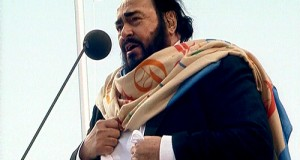 Luciano_Pavarotti_in_Saint_Petersburg