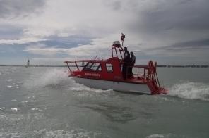 Sokan a vízirendőröknek, a vízimentőknek és az önzetlen hajósoknak köszönhetik életüket.