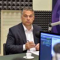 Orbán Viktor miniszterelnök a Magyar Rádió stúdiójában 2015. július 3-án, mielőtt interjút ad a Kossuth Rádió 180 perc című műsorában. MTI Fotó: Máthé Zoltán