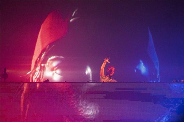 Avicii (Tim Bergling) svéd lemezlovas koncertje a Sziget Fesztivál harmadik napján, 2015. augusztus 14-én. MTI Fotó: Balogh Zoltán