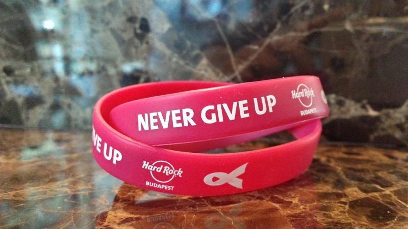 HardRockCafe_Never Give Up karkötő