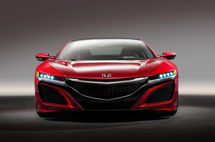 •A tanulmánymodell újradefiniálja a Honda választékának oszlopos modelljét •Európában is bemutatkozik a Clarity Fuel Cell •Idén megkezdődik az NSX-ek leszállítása az európai megrendelőkhöz •A Jazz koncepcióautó új stílusirányzatot vetít előre