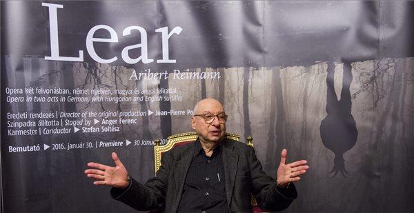 Aribert Reimann német zeneszerző beszél Lear című operájának január 30-i magyarországi premierje előtti szűk körű sajtóbeszélgetésen a Magyar Állami Operaházban 2016. január 29-én. MTI Fotó: Illyés Tibor
