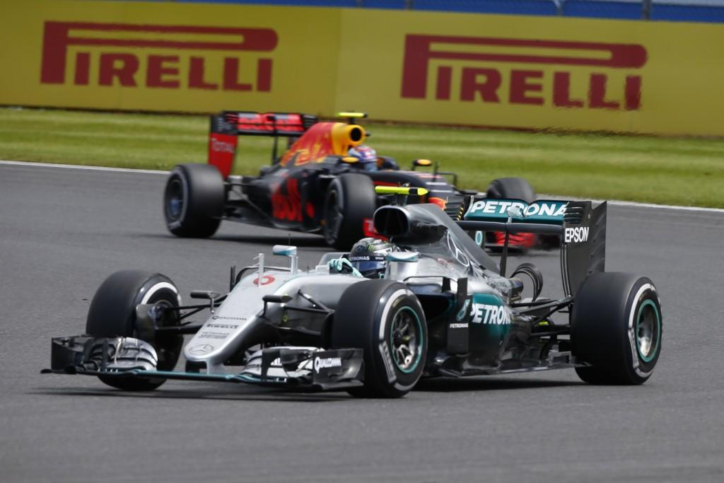 Amber-Magyar_F1-Mercedes+Red_Bull