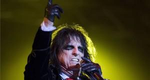 Alice Cooper amerikai rockénekes koncertje a jubileumi, 20. Fezen fesztiválon Székesfehérváron 2017. augusztus 3-án este. MTI Fotó: Mohai Balázs