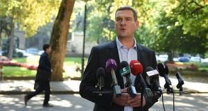 Botka László, az MSZP miniszterelnök-jelöltje 2017. október 2-án Szegeden bejelenti, hogy visszalép a miniszterelnök-jelöltségtől. MTI Fotó