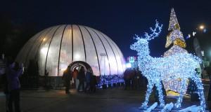 A Mikulásgyár a fővárosi 56-osok terén 2017. december 2-án. MTI Fotó: Pólya-Pető Dávid