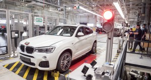 P90292219-production-of-the-200-000th-bmw-x4-02-2018-2247px