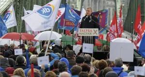Gyurcsány Ferenc, a Demokratikus Koalíció (DK) elnöke a Talpra magyar! közös ellenzéki (MSZP, PM, DK, Liberálisok, Együtt), az 1848-49-es forradalom és szabadságharc kitörésének 170. évfordulója alkalmából rendezett megmozduláson Budapesten a Fővám téren 2018. március 15-én. MTI Fotó: Szigetváry Zsolt