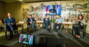 Szigetvári Viktor, az Együtt miniszterelnök-jelöltje, Gyurcsány Ferenc, a Demokratikus Koalíció elnöke, Karácsony Gergely, az MSZP-Párbeszéd miniszterelnök-jelöltje, Fekete-Győr András, a Momentum elnöke és Szél Bernadett, az LMP társelnöke, miniszterelnök-jelölt (b-j) a Válasszunk! 2018 (V18) fórumán a budapesti Benczúr szállodában 2018. április 4-én. MTI Fotó: Balogh Zoltán