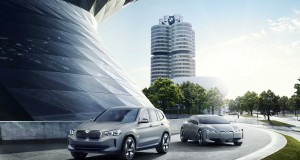 P90301488-bmw-concept-ix3-and-bmw-i-vision-dynamics-2141px