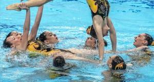 Az izraeli csapat a szinkronúszó világkupa csapat szabadprogram versenyében a budapesti Duna Arénában 2018. május 20-án. MTI Fotó: Szigetváry Zsolt