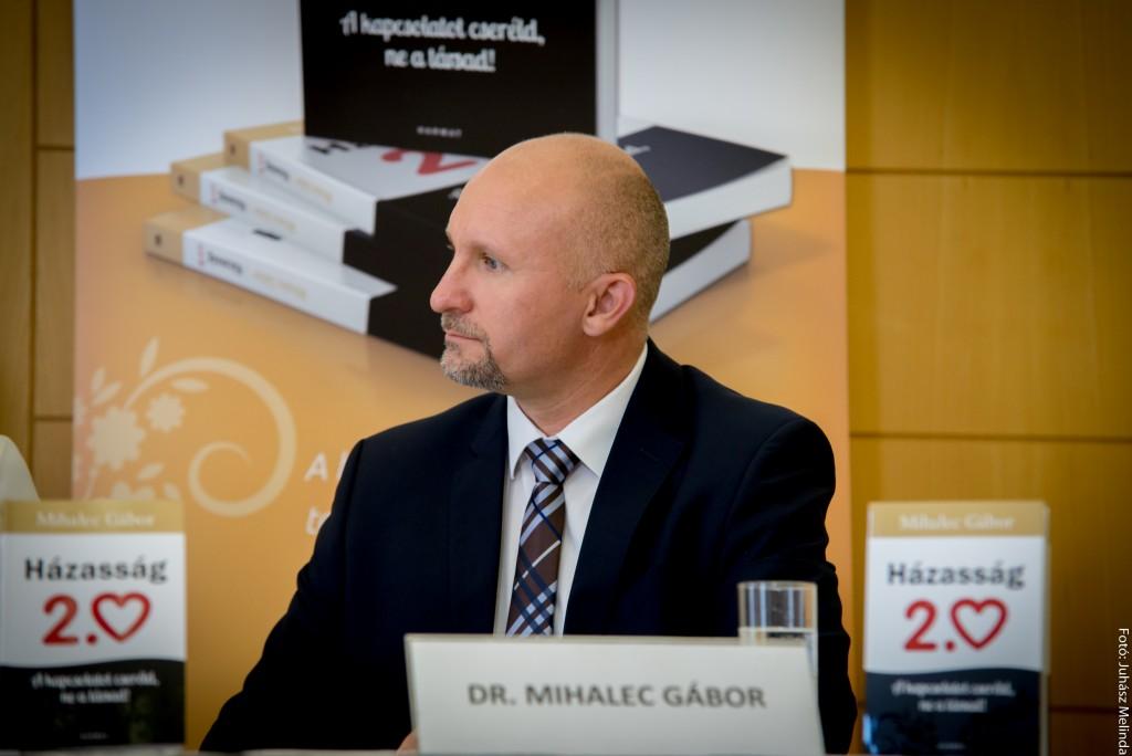 dr. Mihalec Gábor pár- és családterapeuta, a Házasság 2.0 című kötet szerzője Fotó: Juhász Melinda