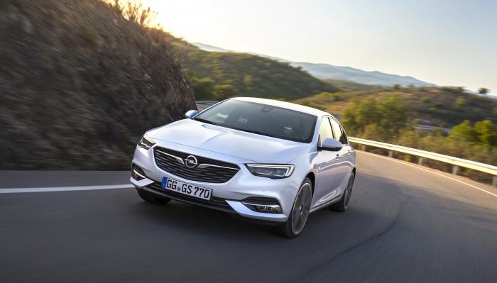 Opel-Insignia-Grand-Sport-304540_1